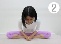 足裏合わせ開脚運動(2)
